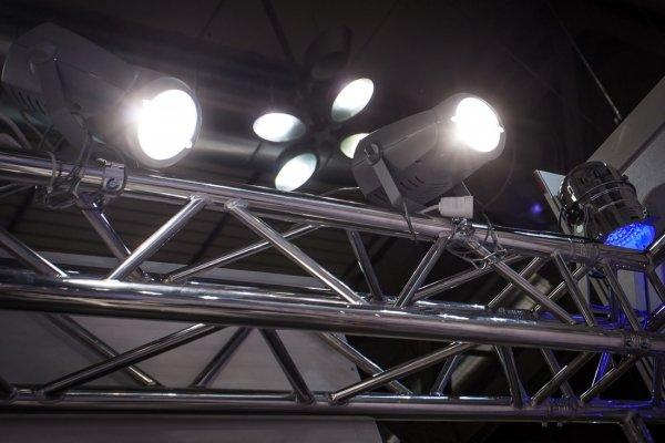 Oświetlenie - zabudowy targowe